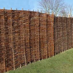 Willow Hurdle Decorative Woven Garden Fencing Panel 6ft x 5ft (1.8m x 1.5m) Natural Woven Wattle Fencing