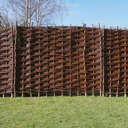 Bunched Willow Hurdle Decorative Woven Garden Fencing Panel 6ft x 4.5 ft (1.8m x 135cm) Natural Woven Wattle Fencing
