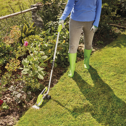 Garden Gear 7.2V Trimming Shears with Telescopic Handle & Wheel Attachment