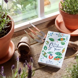 The Gardeners Year Book by Pippa Greenwood